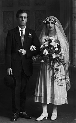 Frank & Amelia Smith on their Wedding Day 17 May 1921