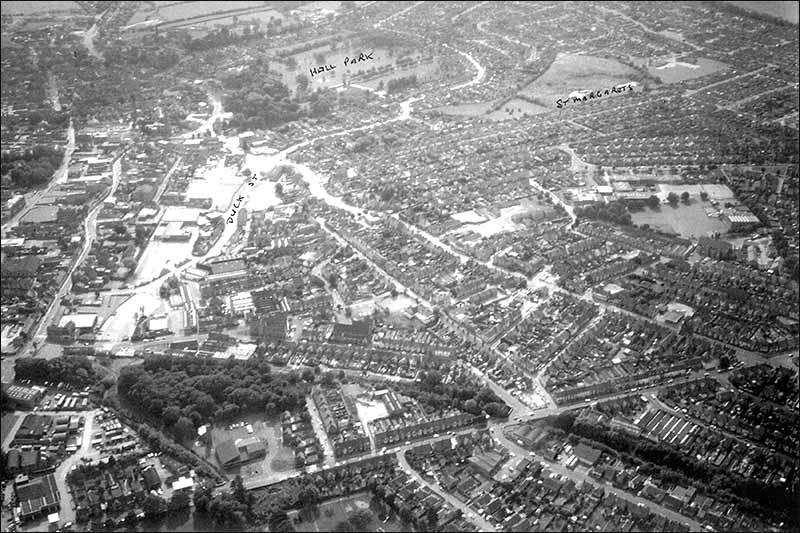 Park Road Garage >> Rushden Research Group: aerial views over Rushden 1950s, 1988 & 1991