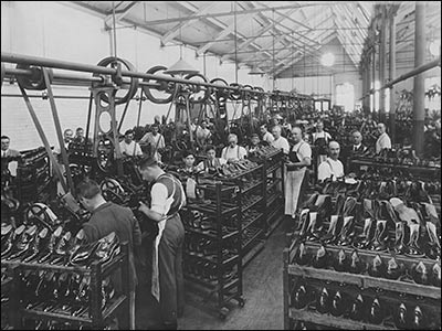 Rushden Research Group Cws Inside Offices And Factory 1923