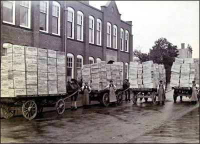Born Shoe Company on Wagons With Boxes For Export To Ellet Kendall