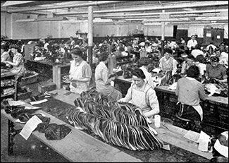 Photograph of the inside of the factory in Glassbrook Road